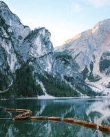 Linien von Booten am See prags foto