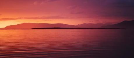 Körper der Stunde während des Sonnenuntergangs foto