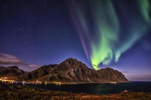 Nordlichter bei mt. stornappstinden foto