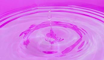 abstrakter Wassertropfen foto