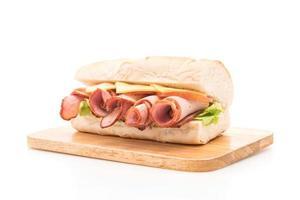 Schinken-Salat-U-Boot-Sandwich foto