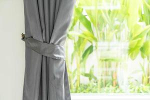 Vorhang mit Sonnenlicht foto