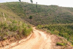 Straßen in ländlichen Gebieten von Entwicklungsländern foto