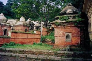 Einäscherungsfriedhof der buddhistischen Zeremonie foto