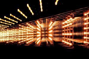 Zoom verwischen abstrakten Hintergrund. die Lichtspuren auf schwarzem Hintergrund. foto