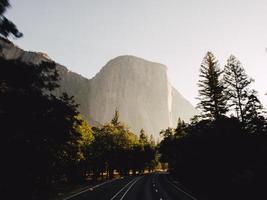 El Capitan bei Sonnenaufgang in Yosemite foto