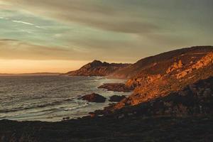 wilde spanische Küste foto