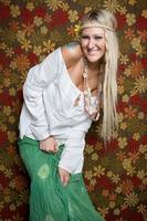 Hippie-Mädchen lächelt foto