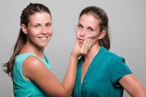 Zwillingsschwestern foto
