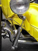 gelb und chrom foto