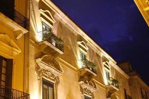 Fassade des italienischen Gebäudes foto