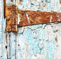 Marokko in Afrika die alte Holzfassade nach Hause und foto