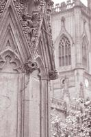Kirchenruinen von St. Luke, Liverpool, England