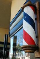klassische Friseurladenfront foto