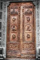 selektive Entsättigung der Santa Croce Haustür foto