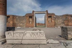 berühmte antike Stätte von Pompeji, in der Nähe von Neapel in Italien foto