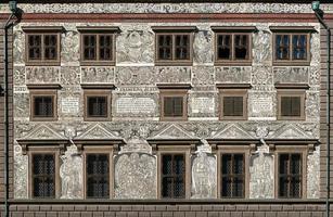 Sgraffito Wanddekoration auf dem Rathaus in Plzen foto