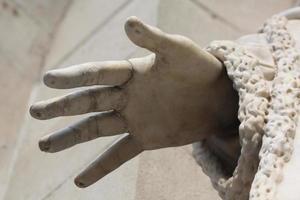 Hand einer Statue foto