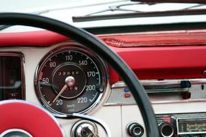 Vintage Auto Armaturenbrett foto
