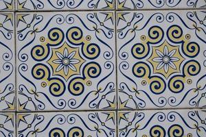 Detail der portugiesisch glasierten Fliesen.