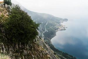 malerische Aussicht auf die Berge foto