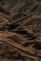 Blick auf Hügel in einem Tal foto