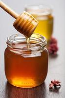 Honig in Gläsern foto