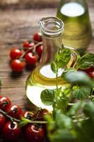frisches Olivenöl foto