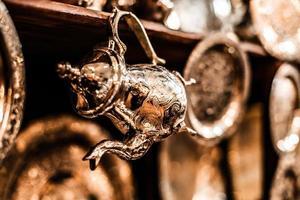Satz arabischer Nana-Minztee mit Metalltopf foto