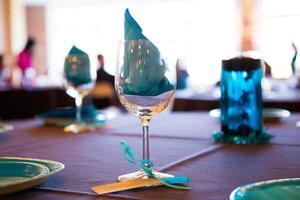 Weingläser bei der Hochzeit foto