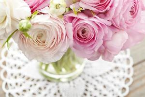 Butterblumen in Vase