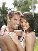 Porträt des glücklichen Paares foto