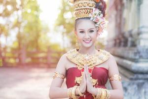 thailändische Frau in traditioneller Tracht von Thailand