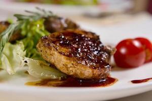 Makro appetitlich saftig fleischig Hauptgericht foto