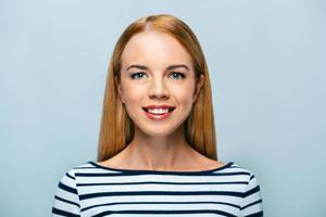 Konzept für emotionale junge Frau foto