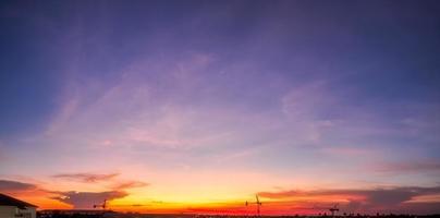 Panoramablick bei Sonnenuntergang