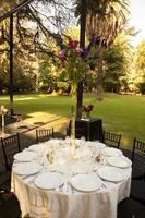 Blumen im Hochzeitsempfang foto