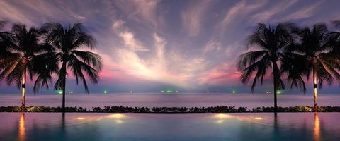 Sonnenuntergang Meer Strand Palmen Pool foto