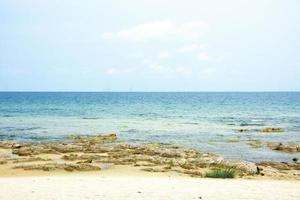 Malawisee an einem klaren Sommertag foto