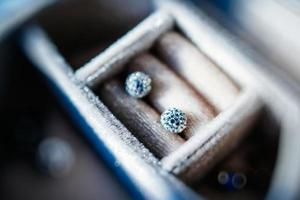 Diamantkristallohrringe foto