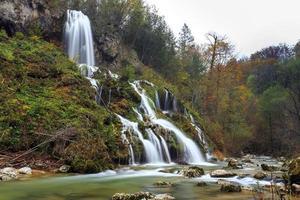 schöner Wasserfall