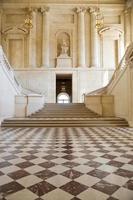 große Halle und Treppe foto