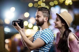 Paar in der Stadt foto