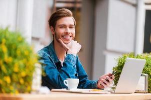 Lieblingsort für Kaffee und Wi-Fi. foto