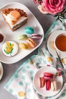 französische Makronen und Kuchen foto