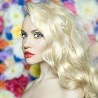 schöne Blondine foto