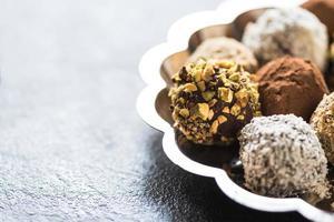 hausgemachte Schokoladenpralinen foto
