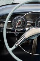 antikes Auto Armaturenbrett foto