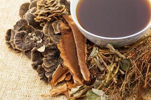traditionelle chinesische Kräutermedizin foto