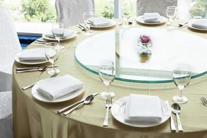 Sitzordnung bei Tisch foto